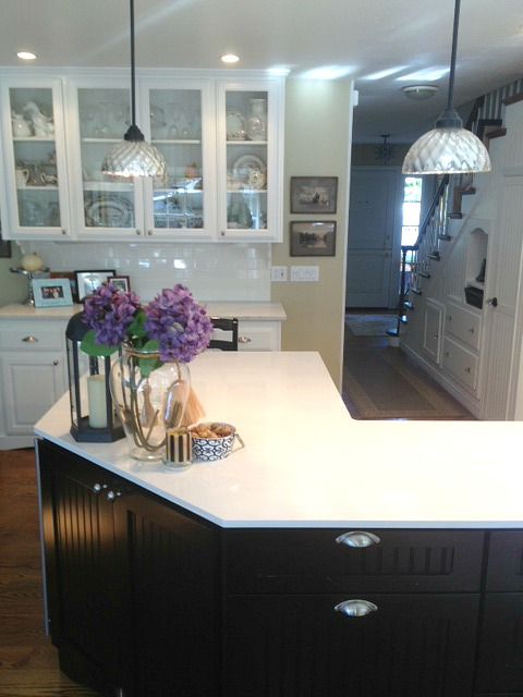 kitchen island painted black