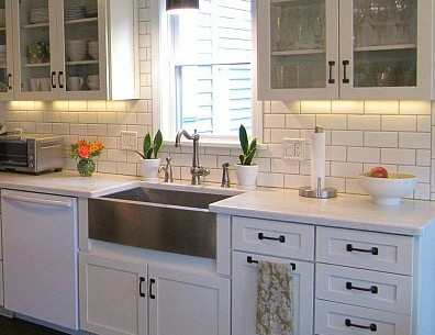 Joyce's Black & White Kitchen