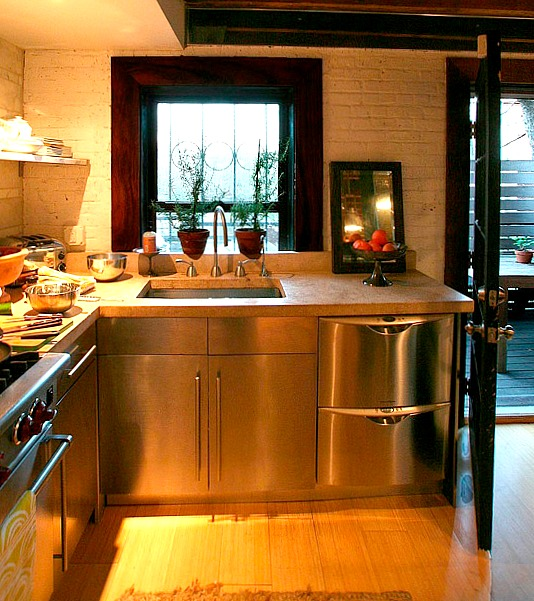 Kathleen Perkins carriage house kitchen Brooklyn (1)