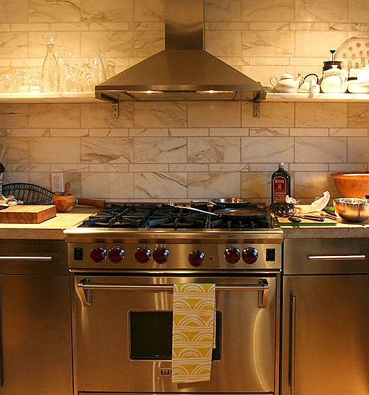 Kathleen Perkins carriage house kitchen Brooklyn (6)