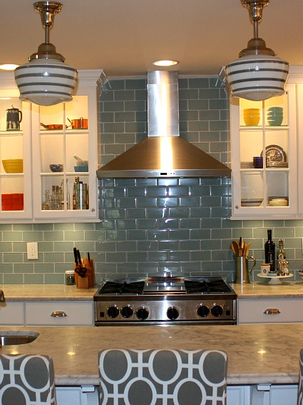 Heather S Gray Amp White Kitchen Hooked On Houses