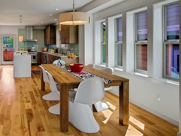 3824 Wallingford Seattle WA kitchen table