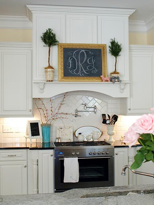 Julie-Less-Than-Perfect-Life-kitchen-1