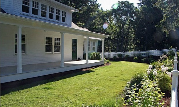 A Country Farmhouse for sale in Oregon (1)