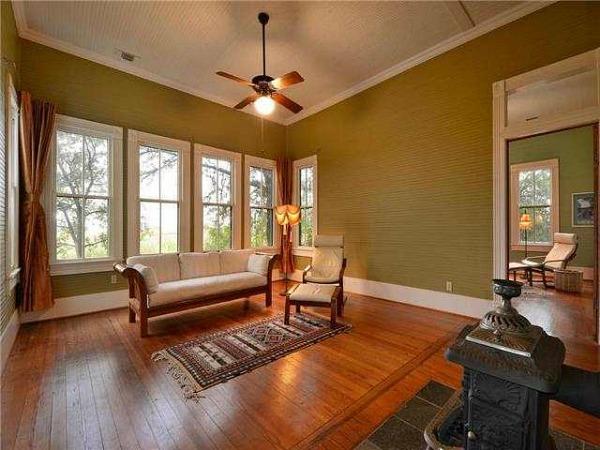 10801-Schmidt-Lane Texas restored farmhouse for sale (16)