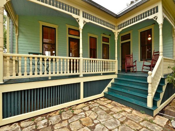 10801-Schmidt-Lane Texas restored farmhouse for sale (2)