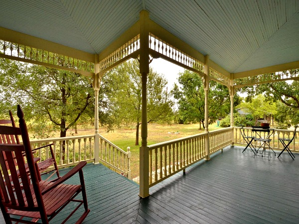 10801-Schmidt-Lane Texas restored farmhouse for sale (4)