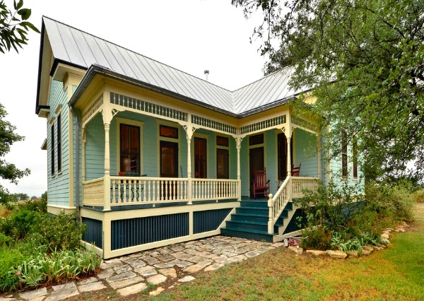 10801-Schmidt-Lane Texas restored farmhouse for sale (6)