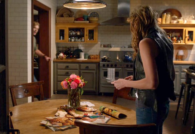 Savi's kitchen on TV show Mistresses ABC (17)