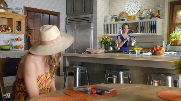 Savi's kitchen on TV show Mistresses ABC (9)