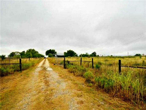 farm for sale in Manor Texas