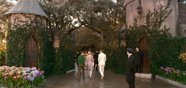 Jay Gatsby's house West Egg front gates