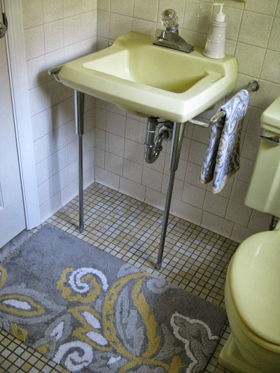 Mary Rose's Cafe vintage yellow bath after