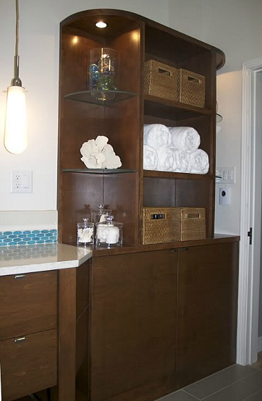 storage in Erin's new bathroom
