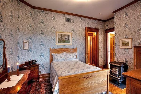 Castle Victorian in Nebraska for Sale (30)