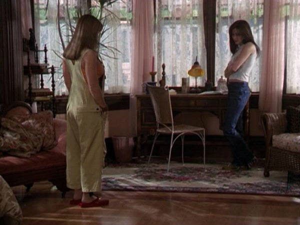 Charmed Halliwell Manor Prue's bedroom
