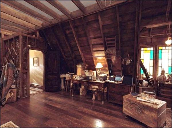 Charmed Halliwell Manor attic 4