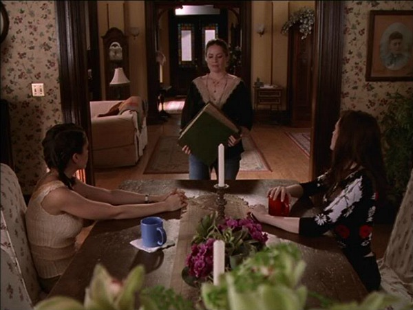 Charmed Halliwell Manor dining room 5