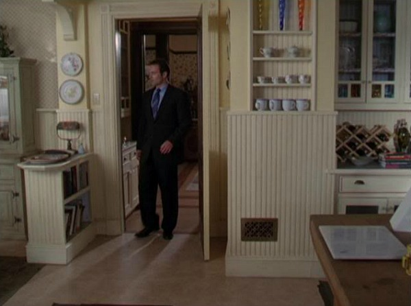 Charmed Halliwell Manor kitchen 14