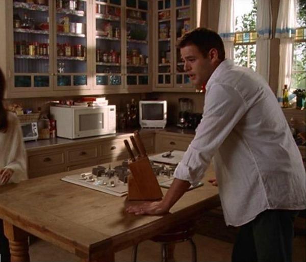 Charmed Halliwell Manor kitchen 5