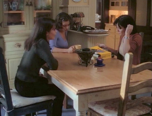 Charmed Halliwell Manor kitchen 7 (1)