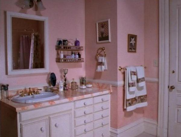 Charmed Halliwell Manor pink bathroom