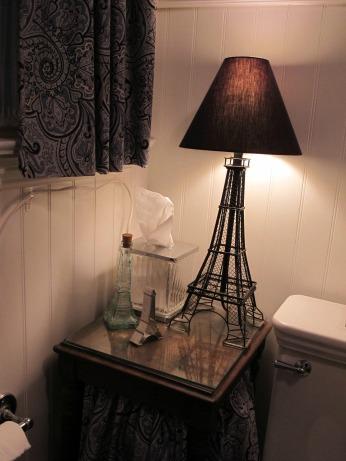 Sharon's Paris-themed bathroom makeover