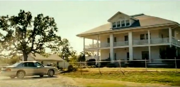 scene from August Osage County movie 1
