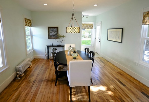 Dining room in SoPoCottage New Englander