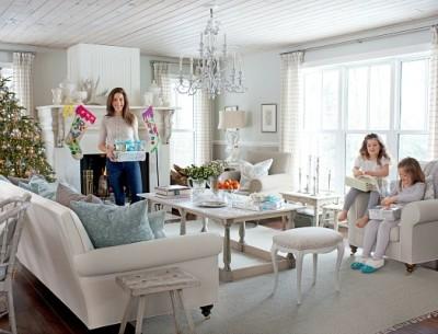 Sarah Richardson's Ontario holiday house living room