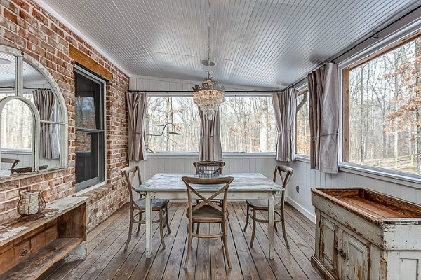 Storybook Cottage vacation rental Leipers Fork TN (7)