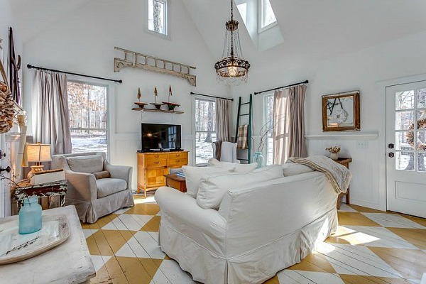 Storybook Cottage vacation rental Leipers Fork TN (8)