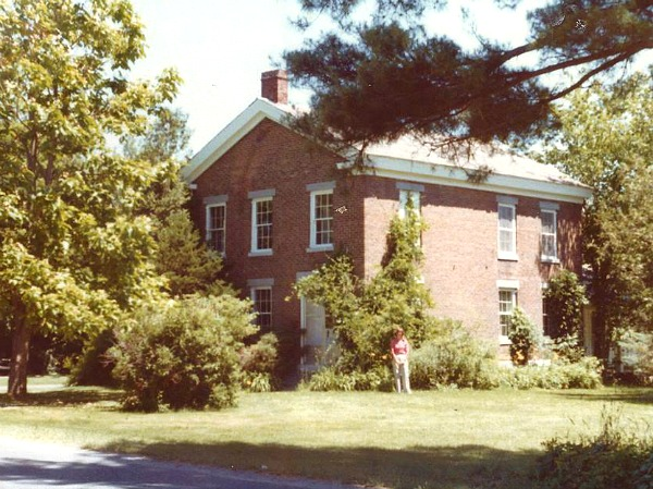 house in the 1970s pre-restoration