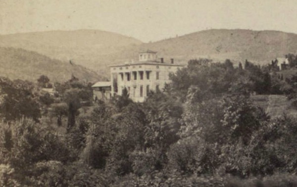 Old photo of Saxton Hall in New York 2