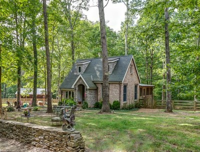 A Country Cottage in Leipers Fork