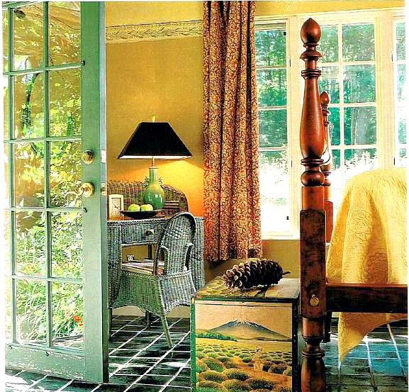 Lark Upson's cottage bedroom in BHG 98