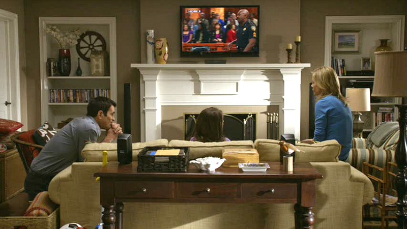 Modern Family Claire and Phil Dunphy's house-TV room
