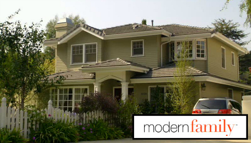 Phil And Claire Dunphys Modern Family House For Sale - Modern family house plans