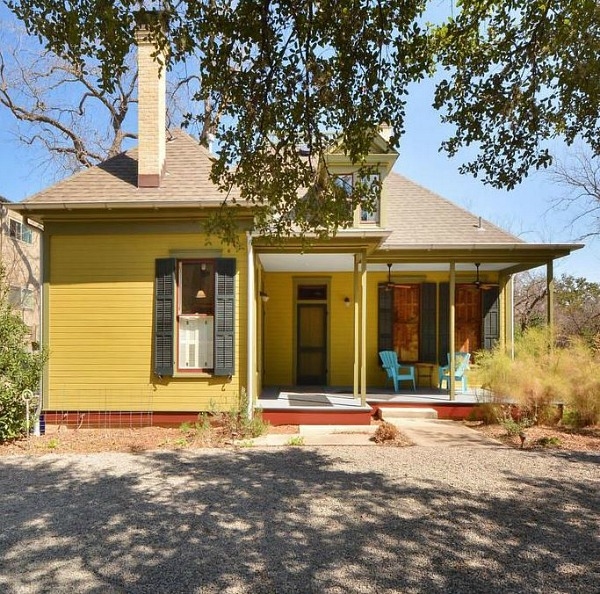 Painted Queen Anne Cottage For Sale Austin TX (18)