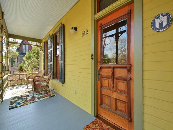 Painted Queen Anne Cottage For Sale Austin TX (5)