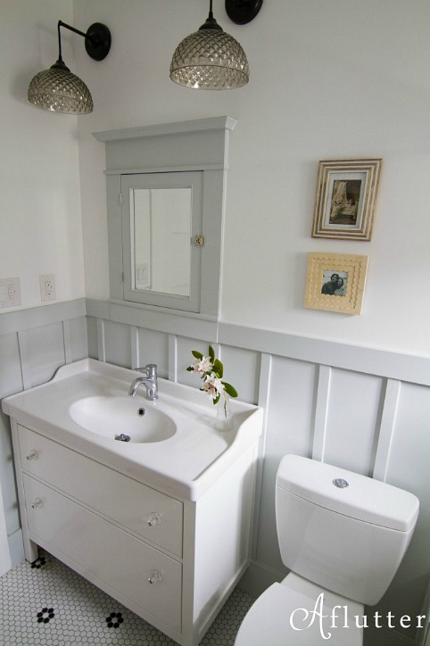 How sarah made her small bungalow bath look bigger for Bathroom ideas 1920s home