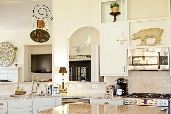 Tricia's House 4708 La Escalona TX For Sale (22)