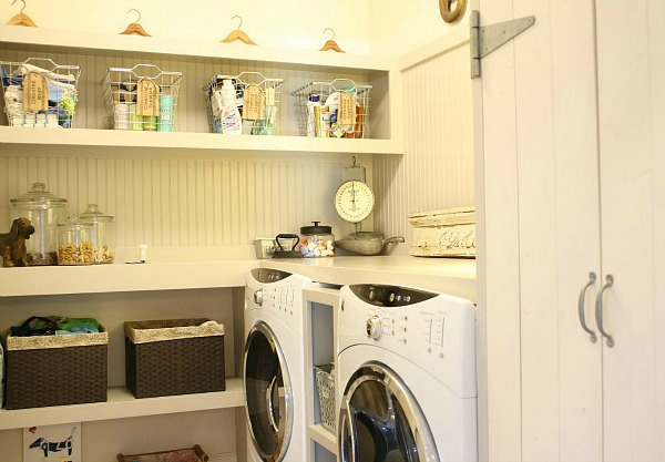 Tricia's cottage kitchen-laundry