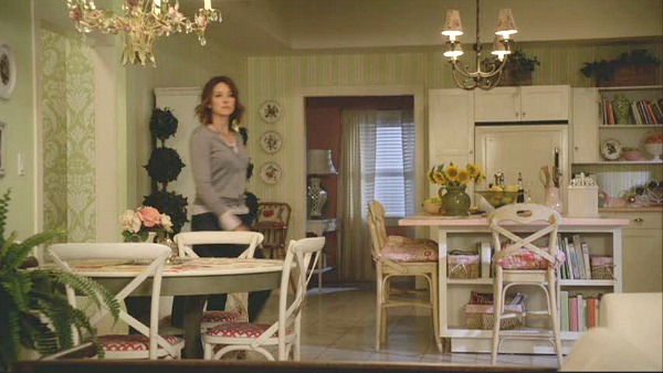 Ellie's Kitchen on Cougar Town | hookedonhouses.net