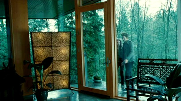 Edward Cullen's house in movie Twilight front door