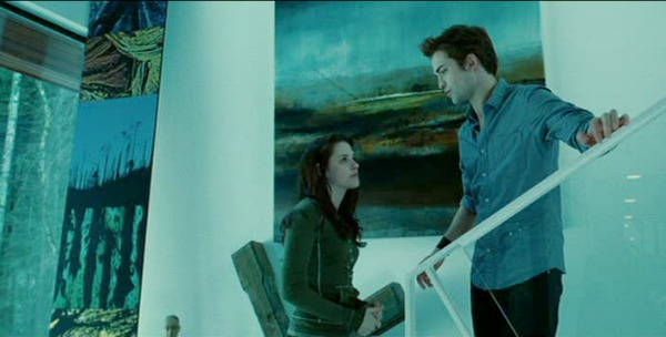 Edward and Bella on the staircase in Twilight movie
