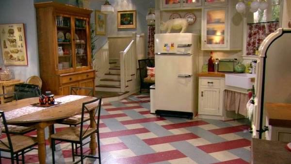 Hot in Cleveland sets-kitchen 5
