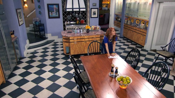 "The Penthouse Kitchen on ""Jessie"" 