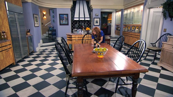 Kitchen Set Design on TV Show Jessie (14)