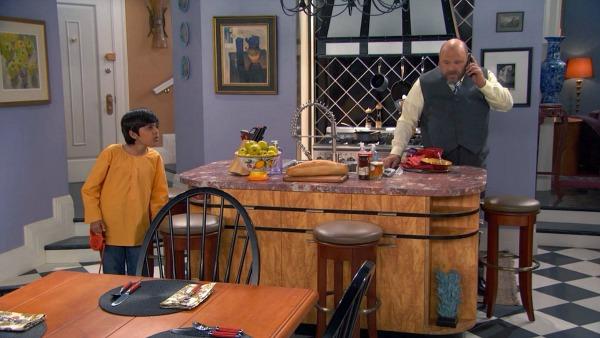 Kitchen Set Design on TV Show Jessie (4)